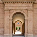 """Al via """"Storie prodigiose"""" (dal 31 luglio), la rassegna estiva al Labirinto di Franco Maria Ricci, tra musica, letteratura, teatro e sperimentazione."""