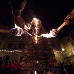 """La """"Città delle Fiaccole"""" non rinuncia alla tradizione più bella. In diretta streaming il suo Natale di fuoco"""