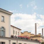 Il Museo d'Arte Moderna di Bologna, rimarrà aperto per ospitare 13 artisti che vi lavorera fino a febbraio 2021