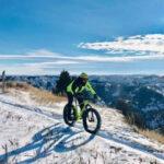 """Intanto leggiamoci come esplorare il """"Great American West"""" in inverno, tra immensi spazi aperti a cavallo di una fat bike"""