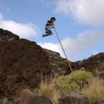 """Il """"salto del pastore"""", la tradizione ritrovata alle isole Canarie diventa un'attrazione turistica"""