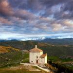 """""""Counting Castles in Abruzzo"""", il libro di Hugh L. Preece"""