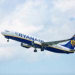 """Fuga di fine estate? Ryanair lancia per la prima volta la promozione: """"ACQUISTA UN VOLO, NE RICEVERAI UNO A METÀ PREZZO"""""""